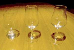 様々な形のテイスティンググラス